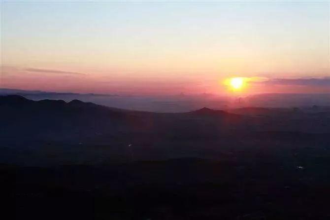 锦州的五彩斑斓这么美,你可曾见过 每天清晨睁开眼 是你赠予我的蓝天